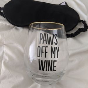 Paws off my wine Cat Gift Set